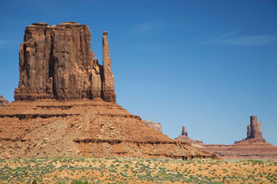 USA Arizona Mitten Butte at Monument Valleyの写真素材 [FYI03638852]