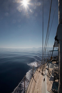 Mountain shore from sailboat deckの写真素材 [FYI03638900]