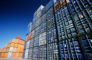 Shipping container in storage yardの写真素材 [FYI03638970]