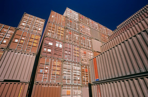 Shipping container in storage yardの写真素材 [FYI03638972]