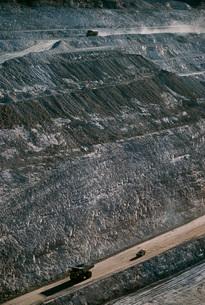 Earth moving trucks open cut gold mine Telfer Western Austraの写真素材 [FYI03639013]
