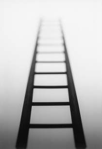Ladder leading to light sourceの写真素材 [FYI03639112]