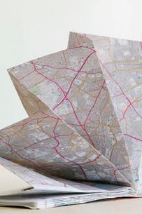 Map folded in fan shape studio shotの写真素材 [FYI03639116]