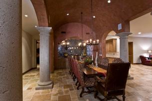 Elegant old fashioned dining roomの写真素材 [FYI03639746]