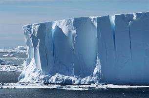 Antarctic Icebergの写真素材 [FYI03640070]