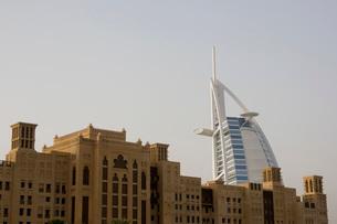 Dubai UAE world famous Burj Al Arab Hotel seen beyond old wiの写真素材 [FYI03640357]