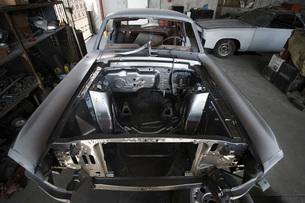 Car parts in garageの写真素材 [FYI03640507]