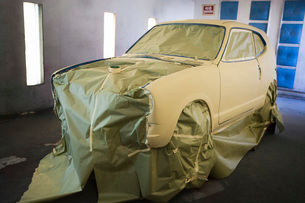 Car part in garageの写真素材 [FYI03640509]