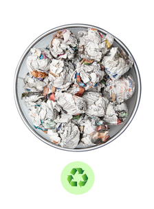 Crumpled papers in garbage bin with recycling sign over whitの写真素材 [FYI03640903]