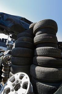 Tires in Junkyardの写真素材 [FYI03641419]