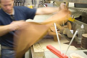 Traditional shoemaker workshopの写真素材 [FYI03642834]