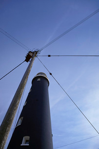 Dungeness Kent UK lighthouse low angle viewの写真素材 [FYI03642899]