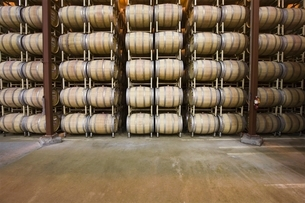 Wine barrels in storage Santa Maria Californiaの写真素材 [FYI03642912]