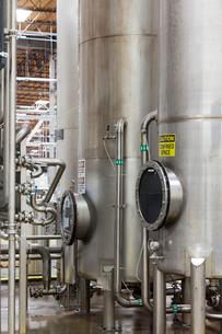 Silos in bottle industryの写真素材 [FYI03642947]