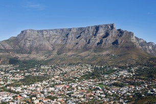 Cape Town and Table mountain South Africaの写真素材 [FYI03645239]