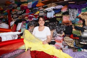 Fabric Store Workerの写真素材 [FYI03645669]