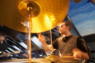 Drummer Performingの写真素材 [FYI03645703]