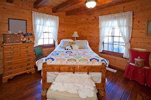 Traditional children bedroomの写真素材 [FYI03646555]