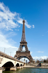 Eiffel Tower and River Seine in Paris, Franceの写真素材 [FYI03646698]