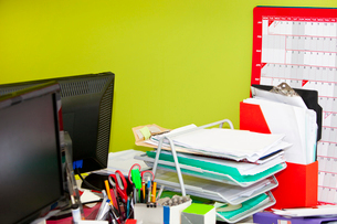 Close-up of real life messy officeの写真素材 [FYI03646755]