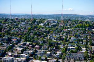 View of Seattle and radio towers from Space Needleの写真素材 [FYI03646803]
