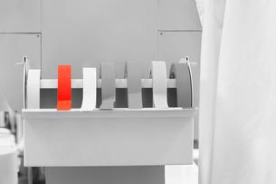 Rolls of labeling tape in laboratoryの写真素材 [FYI03647273]
