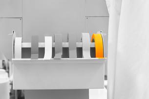 Rolls of labeling tape in laboratoryの写真素材 [FYI03647274]