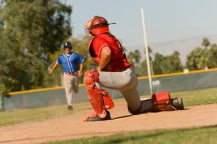 Runner approaching to catcherの写真素材 [FYI03647367]