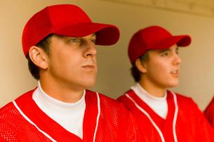 Two baseball team-matesの写真素材 [FYI03647371]