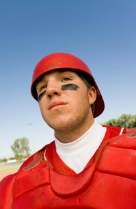 Baseball catcher on field (close-up)の写真素材 [FYI03647386]
