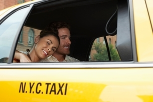 Couple in Taxiの写真素材 [FYI03647449]