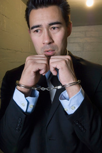 Man in handcuffsの写真素材 [FYI03648467]