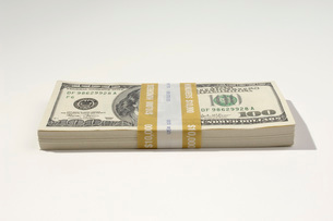 Stack of US Currencyの写真素材 [FYI03648767]