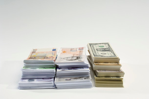 American British and Euro paper currencyの写真素材 [FYI03648778]