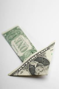 Arrow Made of Moneyの写真素材 [FYI03648786]