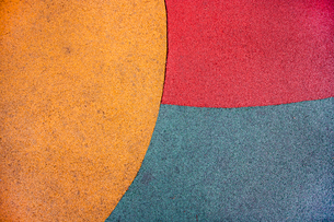 Close up of playground colored groundの写真素材 [FYI03648977]