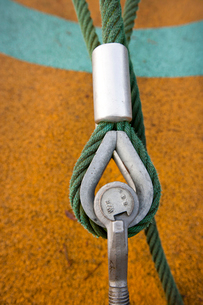 Eye bolt secures cable to the groundの写真素材 [FYI03648986]