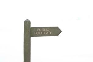 Public Footpath Signの写真素材 [FYI03649333]