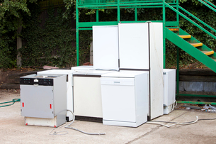 Discarded Dishwashers at local recycling centerの写真素材 [FYI03649364]