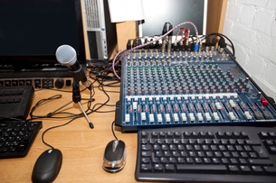Sound mixing equipment at television stationの写真素材 [FYI03649375]