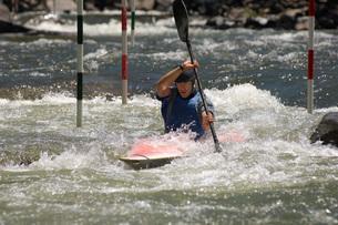 Whitewater kayakingの写真素材 [FYI03650520]