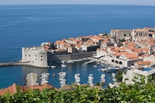 Coastal town of Dubrovnik Dalmatiaの写真素材 [FYI03650781]
