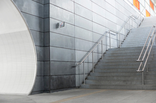 Stairway in railroad stationの写真素材 [FYI03652931]