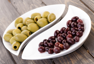 Pickled olives - studio sの写真素材 [FYI03653699]
