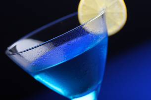 Close up of blue curacao drinkの写真素材 [FYI03653743]