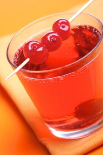 Close up of drink - studio shotの写真素材 [FYI03653774]