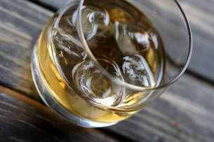 Close-up of whisky glassの写真素材 [FYI03653778]