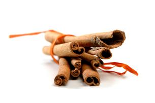 Tied Bunch of cinnamon Sticksの写真素材 [FYI03653831]