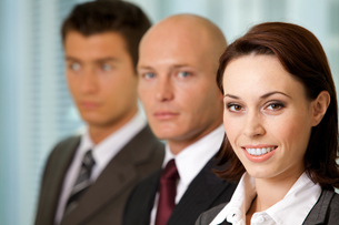 Portrait of young caucasian business people in officeの写真素材 [FYI03655677]