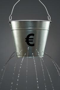 Leaky Euro Bucketの写真素材 [FYI03657930]